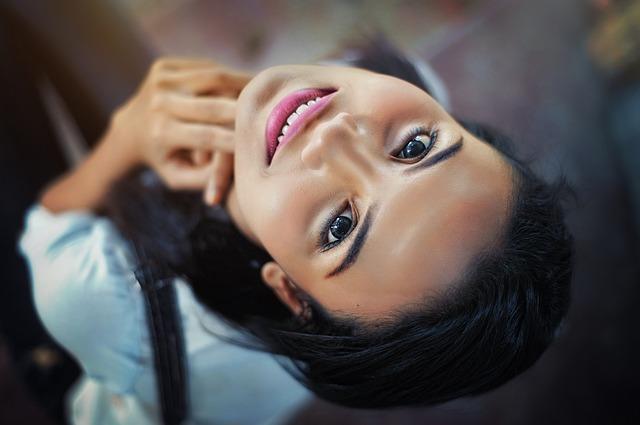 Jak zrobić makijaż oczu o chłodnej kolorystyce